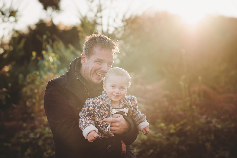 Kinderfotografie_Familienfotografie_Familienbilder_Aachen_ungestellt_draußen_Astrid Ebert Fotografie