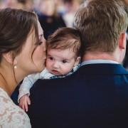 Hochzeitsbilder mit Baby Eyserhof Bruiloft