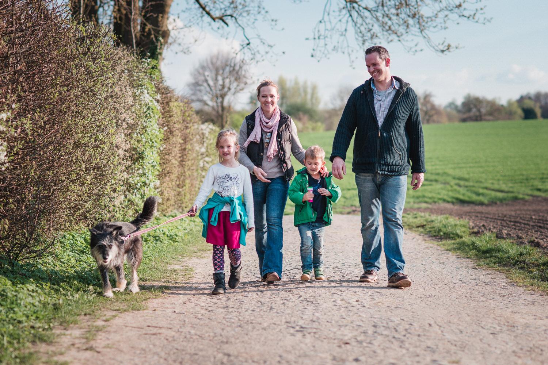 lockere und lebendige Familienfotografie in Aachen
