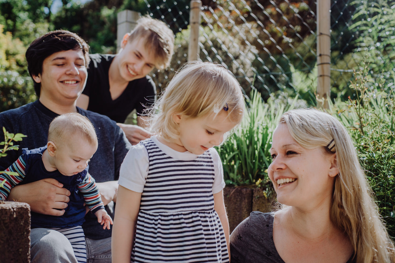 Familienbild im Garten