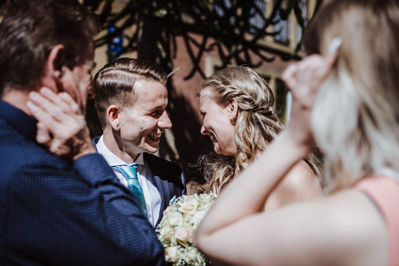 große Freude am Hochzeitstag