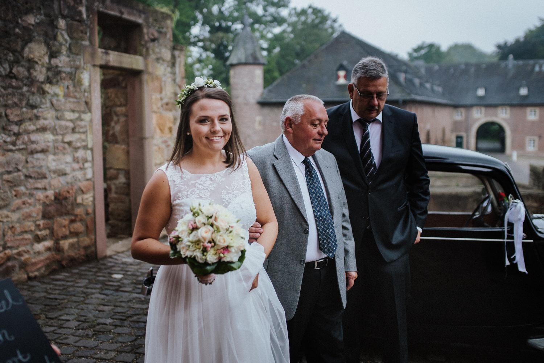 Ankunft Braut Standesamt Schloss Burgau | Hochzeitsfotografie Aachen