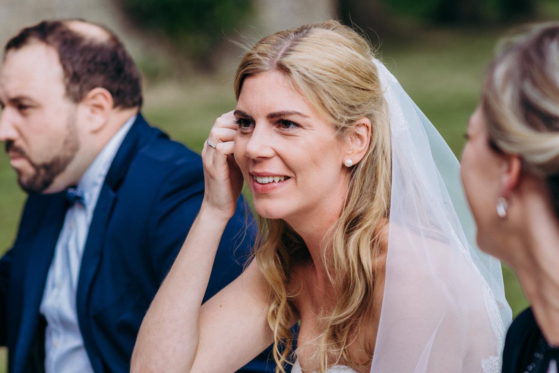 die Braut im Gespräch