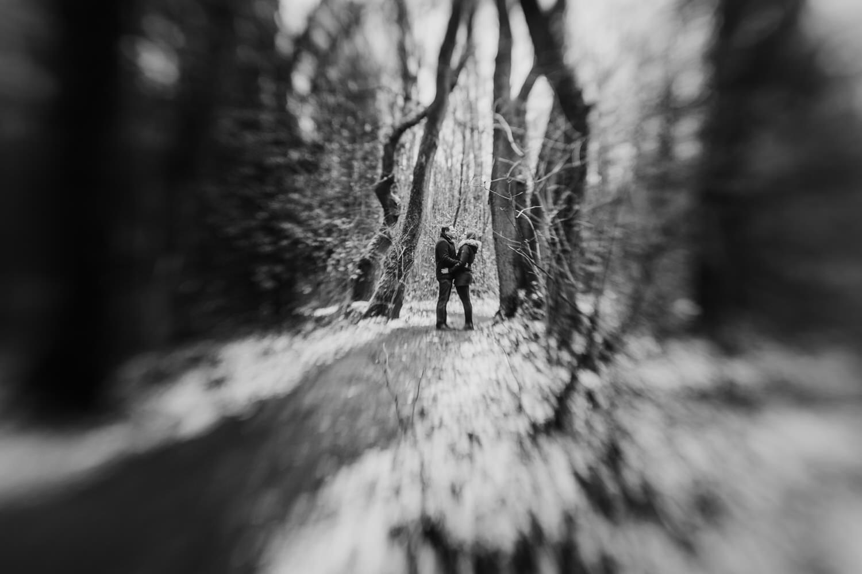 Schwarzweiß Bild eines Paares mit besonderem Effekt