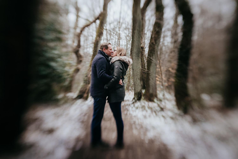 Bild eines Paares bei einem Fotoshooting mit Lensbaby fotografiert