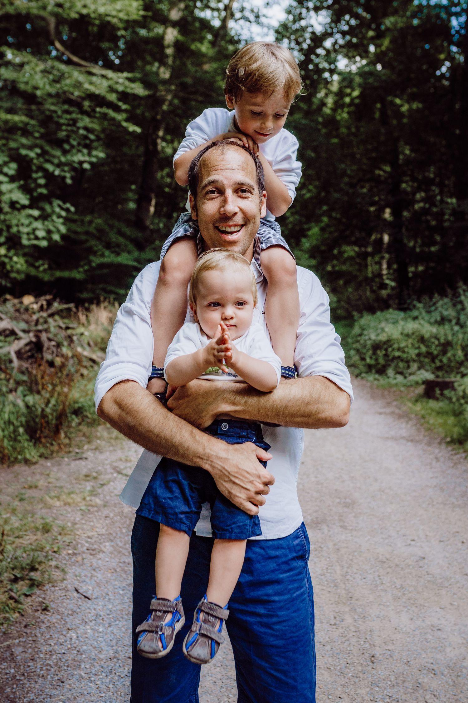 gemeinsames Bild Vater mit Kindern